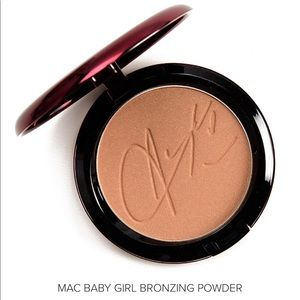 MAC Cosmetics Aaliyah Bronzing Powder